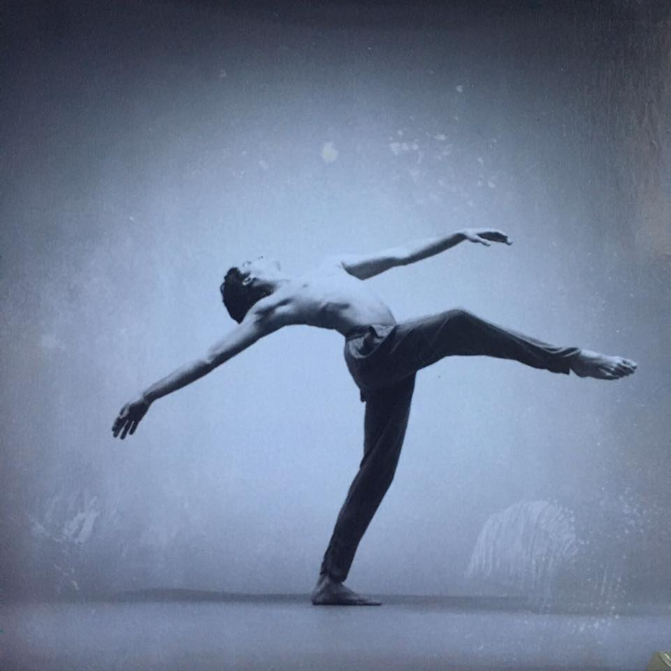 Simon Dancing